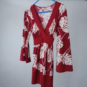 Kiwi Women's Sz M Floral V Neck Tunic Top